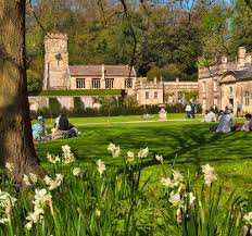 100 The Lawns Visitors Enjoy The Spring Sunshine On The Lawns Of Dyrham