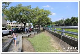 cdiscount canap駸 中部戲水景點 西螺親水公園 有遮蔭 水質清淺適合幼兒 山 雲與藍天