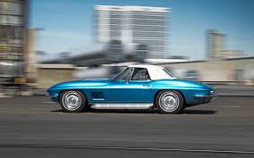 1967 Shelby GT500 Vs 1967 Chevrolet Corvette Sting Ray 427 - Motor ...