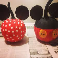 Halloween Faces For Pumpkins Painted by Minnie U0026 Mickey Pumpkin Painting Fall Decorations Pinterest