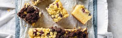 kirsch pudding kuchen mit zweierlei streuseln