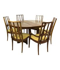 Broyhill Brasilia Round Dining Table Set With 6 Chairs