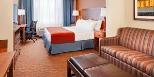 Holiday Inn Express & Suites Coralville Hotel by IHG