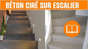 beton cire sur escalier bois béton ciré sol mur escalier terrasse application outils lisseuse