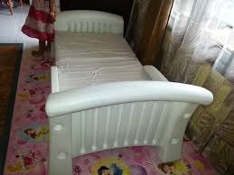 Cosco White Plastic Toddler Bed Having the Cosco Toddler Bed