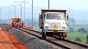 UNIQUE TRUCK ON RAILS INDIAN RAILWAYS CONSTRUCTION SITE - YouTube