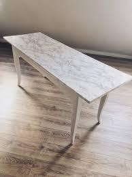 diy alten tisch lackieren und mit marmorfolie bekleben