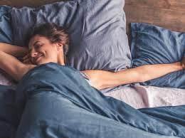 diese 6 dinge sollten sie niemals im schlafzimmer haben