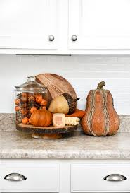 Love Shopping At Thrift Stores And Antique Malls For Fall Decor You Can Always Find A Wide Variety Of Cool Vintage Things