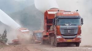 C&C Trucks Carrying Wind Turbine Blades To The Mountaintop - YouTube