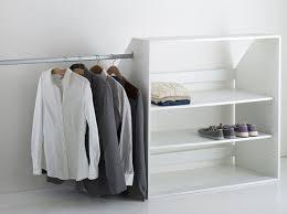 petit dressing chambre amenagement petit dressing pice dressing bonnes ides pour