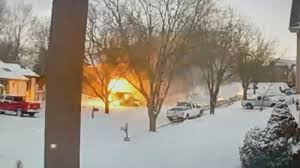 100 Postal Truck Fire Mail Truck Explodes Into Rolling Ball Of Fire In Kansas City