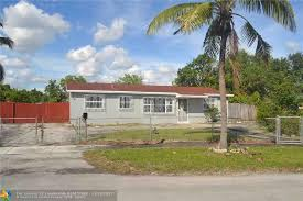 3751 Nw 208th Ter Miami Gardens FL realtor