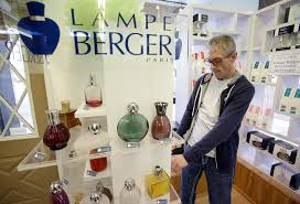 Lampe Berger Car Diffuser Instructions by Hannah Candles Closes Its Doors Lights Flame Under Online Sales