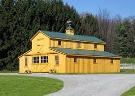 Shed Row Barns Texas by Monitor Horse Barn Measures 32 U0027 By 36 U0027 With A Green Metal Roof