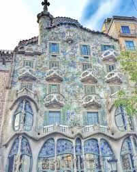 100 Antoni Architects The Unique Architecture Of Barcelona Gaudi Home Behind