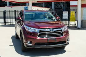 2014 Toyota Highlander Captains Chairs by 2014 Toyota Highlander Performance And Technology Motor Review