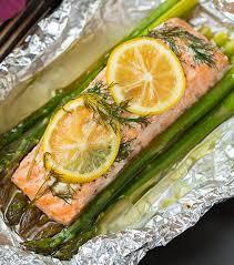 cuisine asperge facile de saumon et asperges dans un papier d aluminium