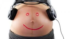 quand peut on sentir bebe bouger a partir de quand peut on sentir le bébé bouger dans le ventre