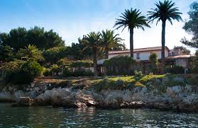 la tonnelle restaurant ile honorat team building