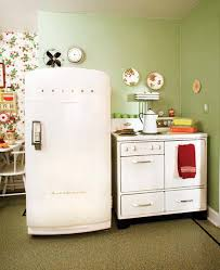 The Working 1947 Stove And 50s Era Refrigerator Add To Period Appeal In
