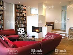 moderne wohnzimmer mit kamin stockfoto und mehr bilder architektur