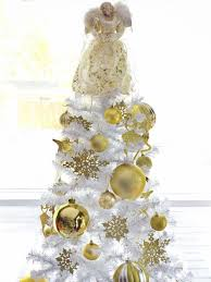 Gold Christmas Tree Tinsel Icicles by 11 Youtube Videos To Watch For Christmas Decor Ideas Hgtv U0027s