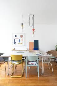 lieblingsplatz mit farbenfrohem stuhlmix esszimmer
