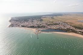 centre ville et zone nautique du maupas la tranche sur mer vue