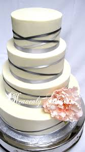 Ribbon wedding cake idea in 2017