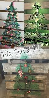 Holiday Pallet Signs Wall Art