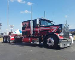100 Reyes Trucking Classic Freightliner Freightliner Classic Classictruck