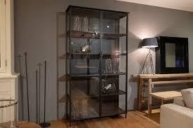de pagter schwarze vitrine aus metall 38 115 212 cm