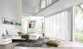 loft schlafzimmer in weiß absatz glas weiß