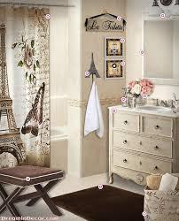 Paris Themed Bathroom Pinterest by Best 25 Paris Bathroom Decor Ideas On Pinterest Small Bamboo