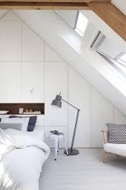 schränke für dachschräge ideen zur perfekten planung