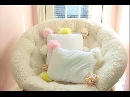 DIY Decorative Pom Pom Pillows