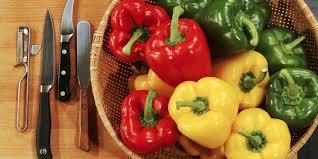 cuisiner les poivrons poivrons farcis facile et pas cher recette sur cuisine actuelle