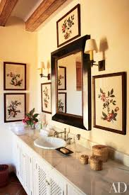 Guest Bathroom Decor Ideas Pinterest by 1000 Ideas About Guest Bathroom Decorating On Pinterest Diy Guest