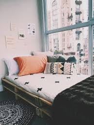 Cute Living Room Ideas For College Students by Best 25 Student Bedroom Ideas On Pinterest Roomspiration Desks