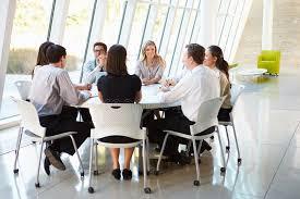 bureau conseil d administration gens d affaires ayant la réunion du conseil d administration dans