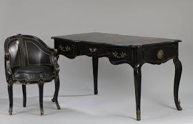 bureau laque noir bureau plat laqué noir et fauteuil de bureau style louis xv