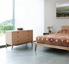 mobilier chambre contemporain meuble en bois moderne pour chambre urbantrott com