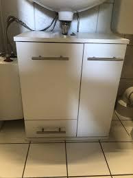 reserviert badezimmer unterschrank waschbeckenunterschrank schmal