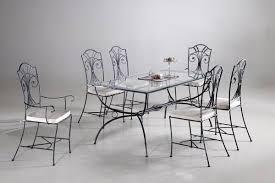 table et chaise en fer forgé de design unique