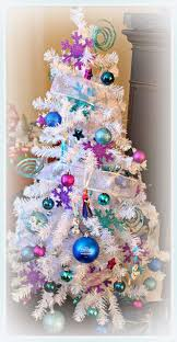 The Grinch Christmas Tree by Clever White Christmas Tree Decorating Ideas Crafty Morning