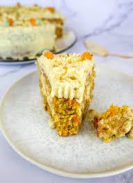 saftiger karottenkuchen mit frischkäse frosting
