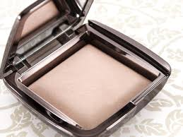 Hourglass Ambient Lighting Powder in Luminous Light Review s