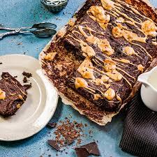 brownie mit birnen und salzkaramell