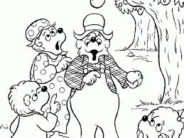 Berenstain Bears Halloween by Berenstain Bears Halloween Coloring Pages Coloring Home